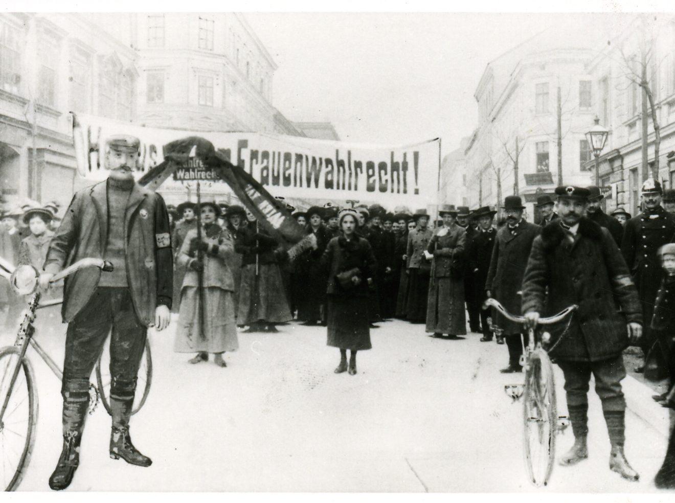 Frauenwahlrecht 100 Jahre Österreich